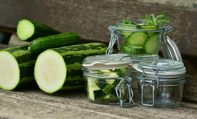 Salade de courgettes aux raisins secs