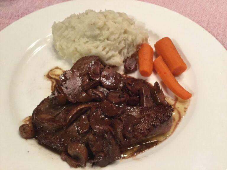 Steak de chevreuil aux champignons
