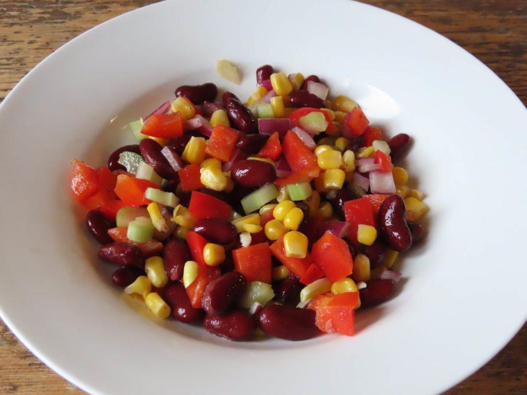 Salade légère au maïs et haricots rouges