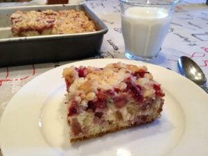 Gâteau aux fraises servi